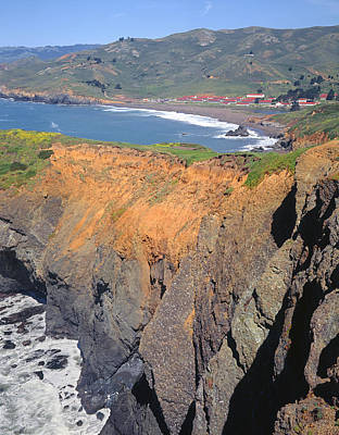 Photograph - 2a6150-rodeo Beach And Fort Cronkhite  by Ed  Cooper Photography