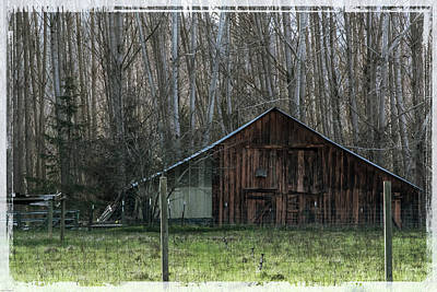 Photograph - Rogue Valley Barn by Mick Anderson
