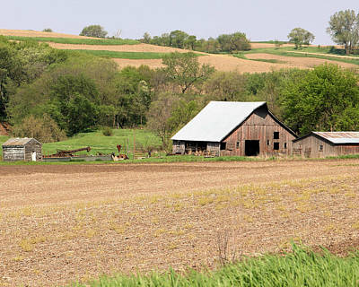 Photograph - Rolling Hills Barn by Kathy M Krause