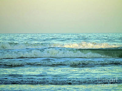 Photograph - Rolling Waves At Twilight by D Hackett