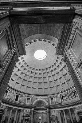 Photograph - Roma Pantheon by John McGraw