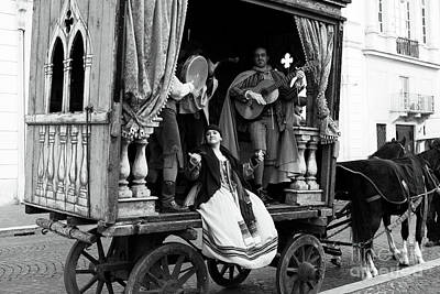 Photograph - Roma Performers by John Rizzuto