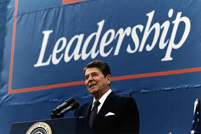 Tntar Photograph - Ronald Reagan. President Reagan Giving by Everett
