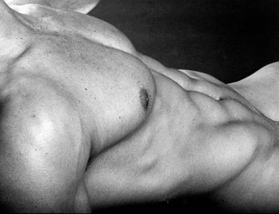 Male Physique Photograph - Ronan Torso by Thomas Mitchell