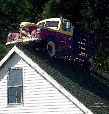 Photograph - Rooftop Truck by Mark Alesse