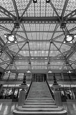 Wright Photograph - Rookery Building Lobby Bw by Steve Gadomski