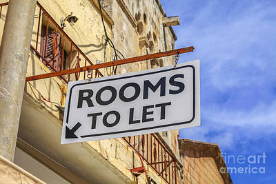 Photograph - Rooms To Let Sign  by Patricia Hofmeester
