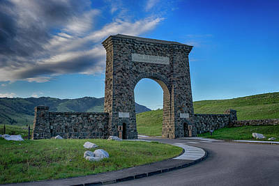 Photograph - Roosevelt Arch At Yellowstone Dsc2522_05252018 by Greg Kluempers
