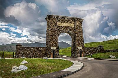 Photograph - Roosevelt Arch by Paul Freidlund