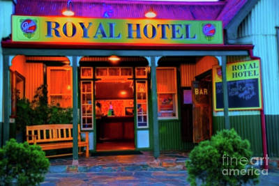 Photograph - Roral Hotel by Rick Bragan