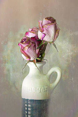 Photograph - Roses In Vinegar Bottle by Larry Bishop