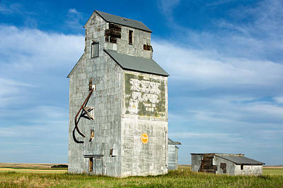 Rex Photograph - Ross Fork Grain Elevator by Todd Klassy