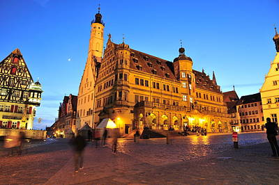 Photograph - Rothenburg Ob Der Tauber Marktplatz At Blue Hour by Dennis Ludlow