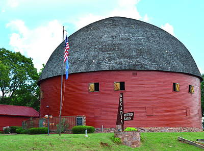 Photograph - Round Barn Of Arcadia by Heather Hollingsworth