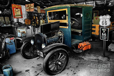 Photograph - Route 66 Arizona Garage by Bob Christopher