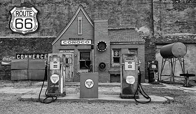 Photograph - Route 66 Filling Station by Joe Sparks