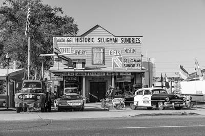 Photograph - Route 66 Store by John McGraw