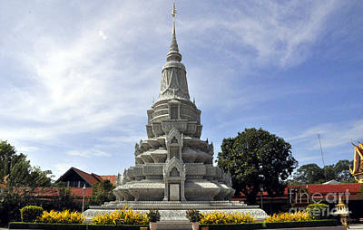 Photograph - Roy Palace Cambodia 12 by Andrew Dinh