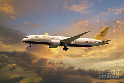 Boeing 787 Dreamliner Digital Art - Royal Brunei Boeing 787-8 Dreamliner V8-dlc by J Biggadike