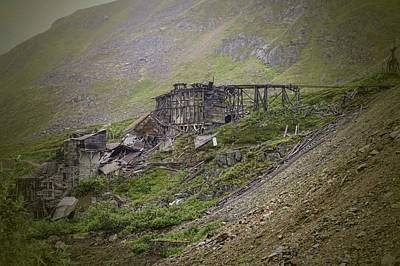Independence Mine Photograph - Ruins Of Independence Mine by Phyllis Taylor