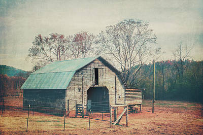 Photograph - Rural Barn by Ray Devlin