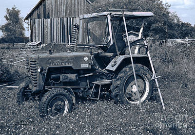 Photograph - Rural Vehicle by Jutta Maria Pusl