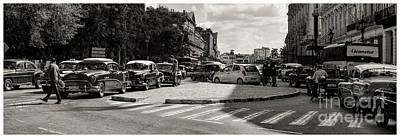 Photograph - Rush Hour In Havana by Les Palenik