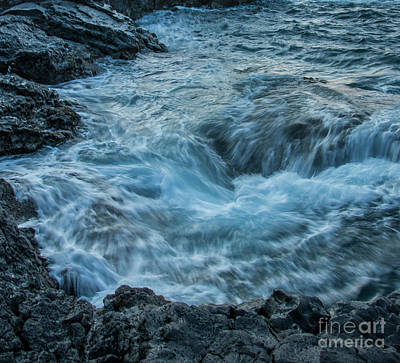 Photograph - Rushing Tide by Teresa Wilson