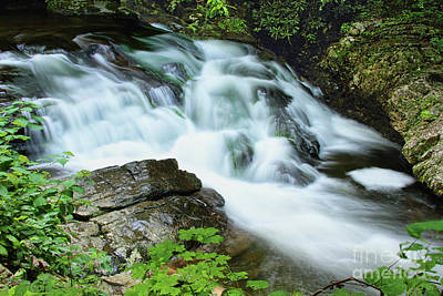 Photograph - Rushing Water by Geraldine DeBoer