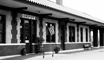 Russellville Depot In Black N White Art Print by Tammy Chesney