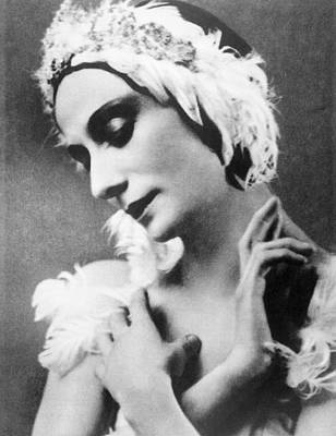 Ev-in Photograph - Russian Ballet Dancer Anna Pavlova by Everett