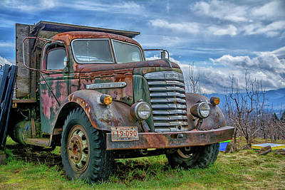 Photograph - Rusted Gm Truck by Bill Posner