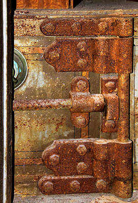 Photograph - Rusted Inner Safe by Bob Slitzan