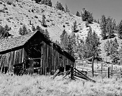 Photograph - Rustic Barn by Ansel Price