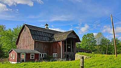 Art Print featuring the photograph Rustic Barn In The Catskills by Paula Porterfield-Izzo