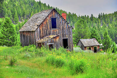 Photograph - Rustic Elkhorn Barn by Richard J Cassato