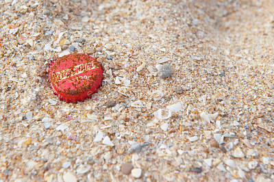 Photograph - Rusting Bottletop by Helen Northcott