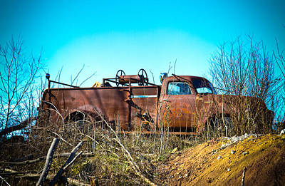Parkersburg Wv Photograph - Rusty by Daniel Houghton