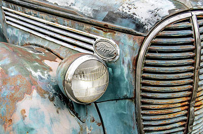 Photograph - Rusty Ford 85 Truck by David Lawson