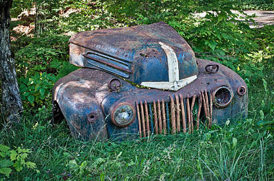 Photograph - Rusty Ford Grille by Cathy Mahnke
