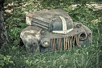 Photograph - Rusty Ford Grille - Vintage by Cathy Mahnke