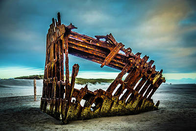 Peter Iredale Photograph - Rusty Forgotten Shipwreck by Garry Gay