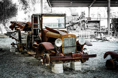 Photograph - Rusty International Truck by Gene Parks