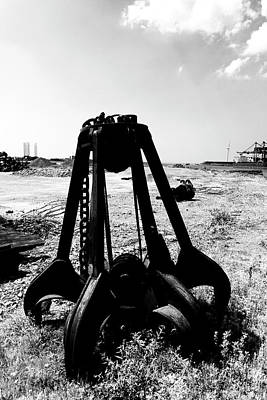 Photograph - Rusty Iron Grabber by Hans Engbers