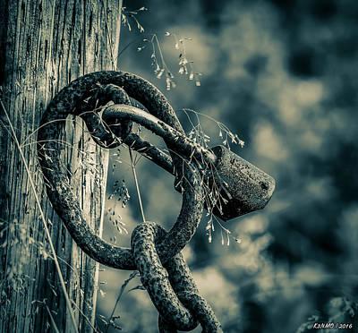 Rusty Lock And Chain Art Print by Ken Morris