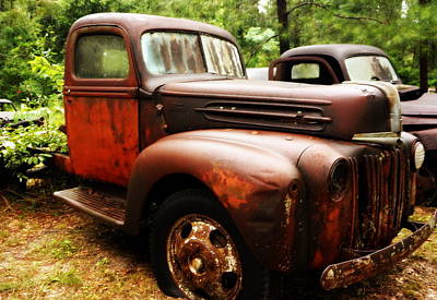 Photograph - Rusty Old Ford by Laurie Pike
