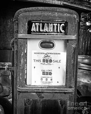 Photograph - Rusty Old Vintage Atlantic Gas Pump Black And White by Edward Fielding
