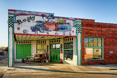 Photograph - Rusty Rat Garage by James Barber