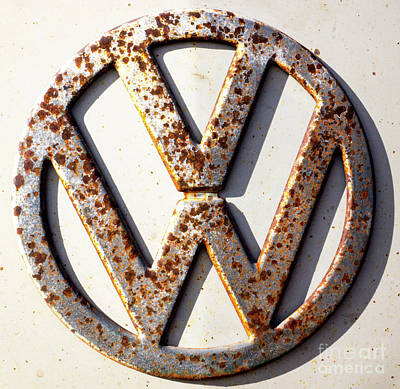 Photograph - Vintage Vw Sign by Tina Hailey