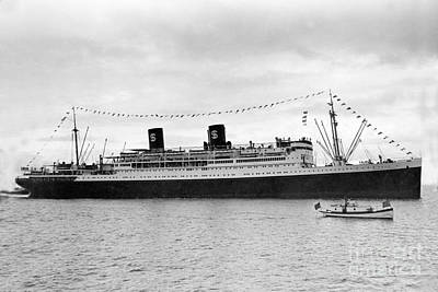 Photograph - S. S. President Hoover, Passenger Vessel,  Built In 1931 by California Views Archives Mr Pat Hathaway Archives